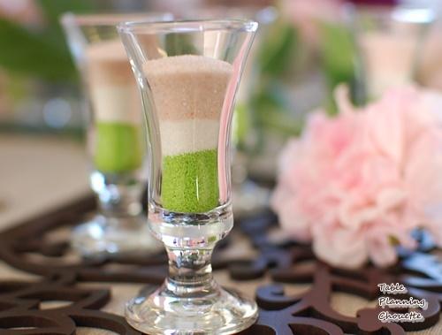 菱餅カラーのグラス